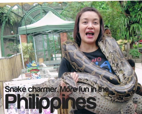 snake-charmer-more-fun-in-the-philippines